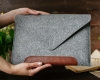 Чехол для ноутбука Gmakin для Macbook Air/Pro 13,3 светло-серый, коричневая полоса (GM10) мал.10